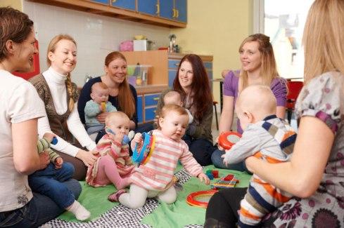 baby-gruppe-mutter-und-kind-coursaria-kurszentrale-hintergrund4